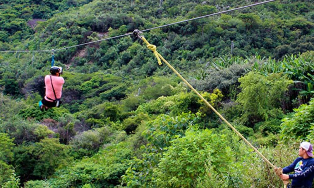 Muere turista al caer de tirolesa en las Grutas de Tolantongo